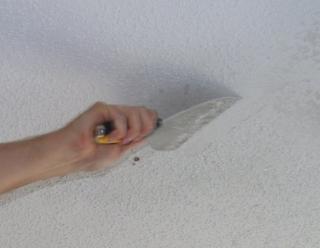 kak_izbavitsya_ot_pobelki_na_potolke Как избавиться от побелки на потолке