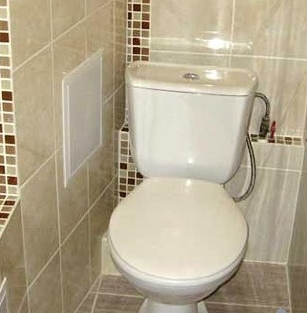 kak_zakrit_trubi_v_tualete Как закрыть трубы в туалете
