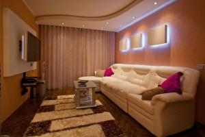Подвесной потолок в маленькой гостиной