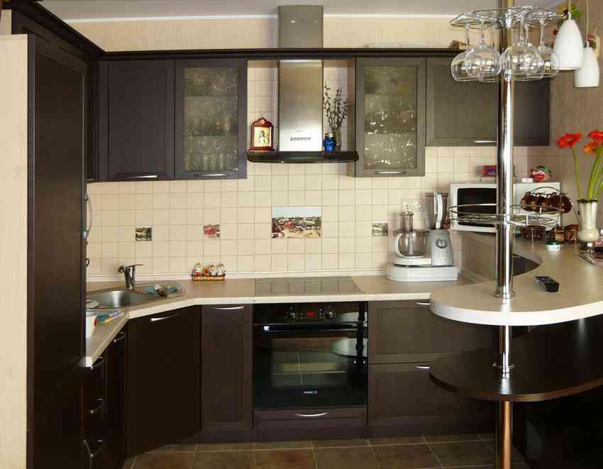 Вариант интерьера маленькой кухни