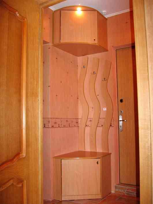 Шкаф в маленькую прихожую фото.