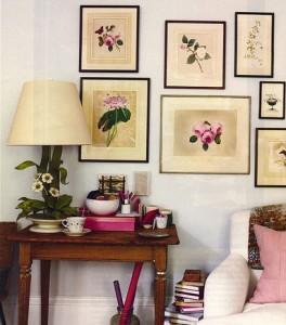 Вариант интерьера стены с картинами