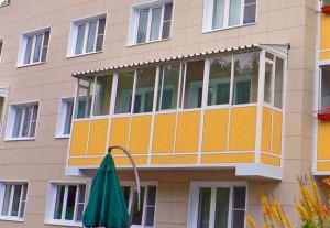 Внешний вид козырька над балконом