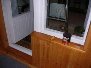Обшивка балкона вагонкой  фото