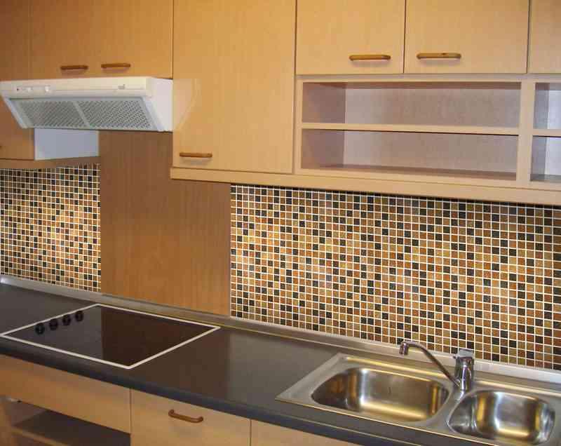 Укладка плитки своими руками на кухни