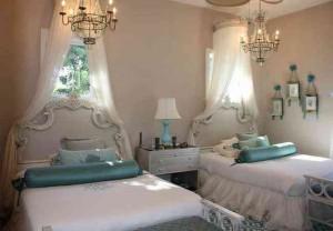 Пример люстры для спальни