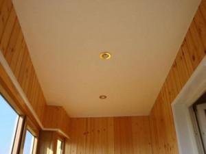 Натяжные потолки на балконе фото