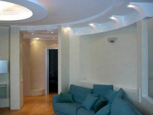 Вариант потолока в гостиной из гипсокартона фото