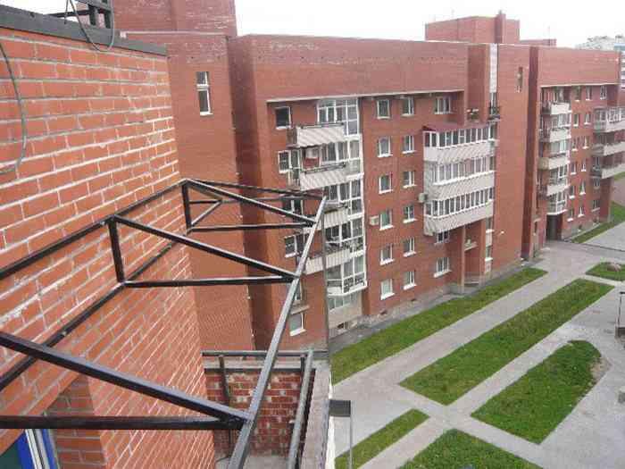 Парапет балкона, важная часть остекления.