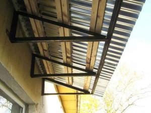 Конструкция крышы над балконом фото