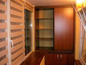 stellazh_na_balkon-01-300x195 Удобный стеллаж на балконе