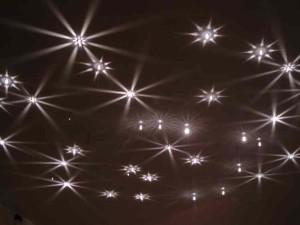 Звездный натяжной потолок фото