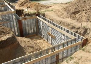 Fundament-oshibka-8-300x211 Выполнение строительства фундамента в доме