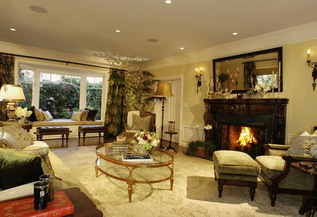 1_1_3-11_2b_gostinnaya-300x225 Способы красиво оформить гостиную