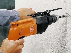 sverlenie-betona-drelju-300x225 Как сверлить бетон