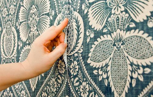 tekstilnye-oboi-v-interere-0