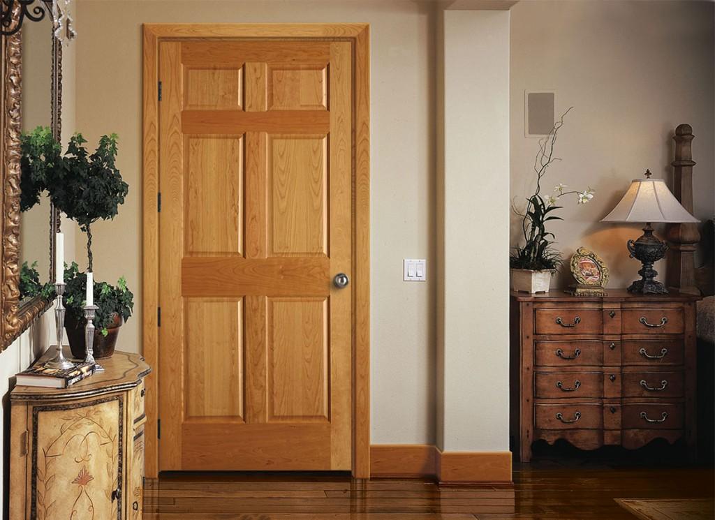 Vkhodnye_dveri_foto_5-300x272 Неоспоримые преимущества деревянной двери