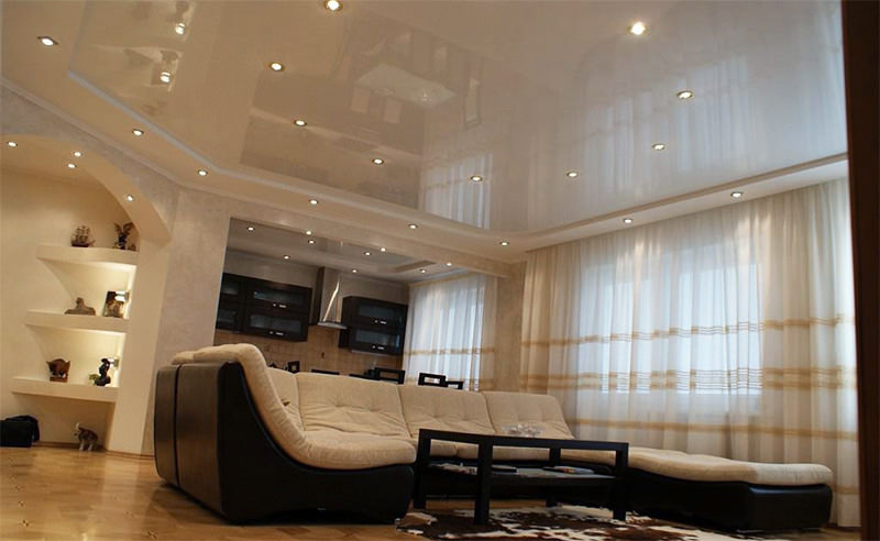 -потолки-в-гостиной.-300x225 Натяжные потолки в гостиной
