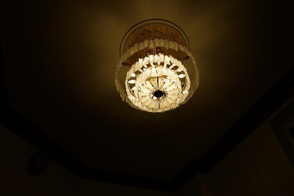 -потолка Как собственноручно украсить потолок - основные материалы и способы