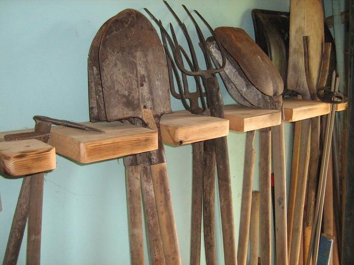 sadovyi-instrument1 Дачникам на заметку: Рабочие садовые инструменты
