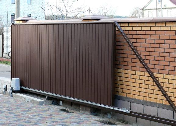 vorota-e1499439881338 Ворота для гаража. Виды. Особенности конструкций.
