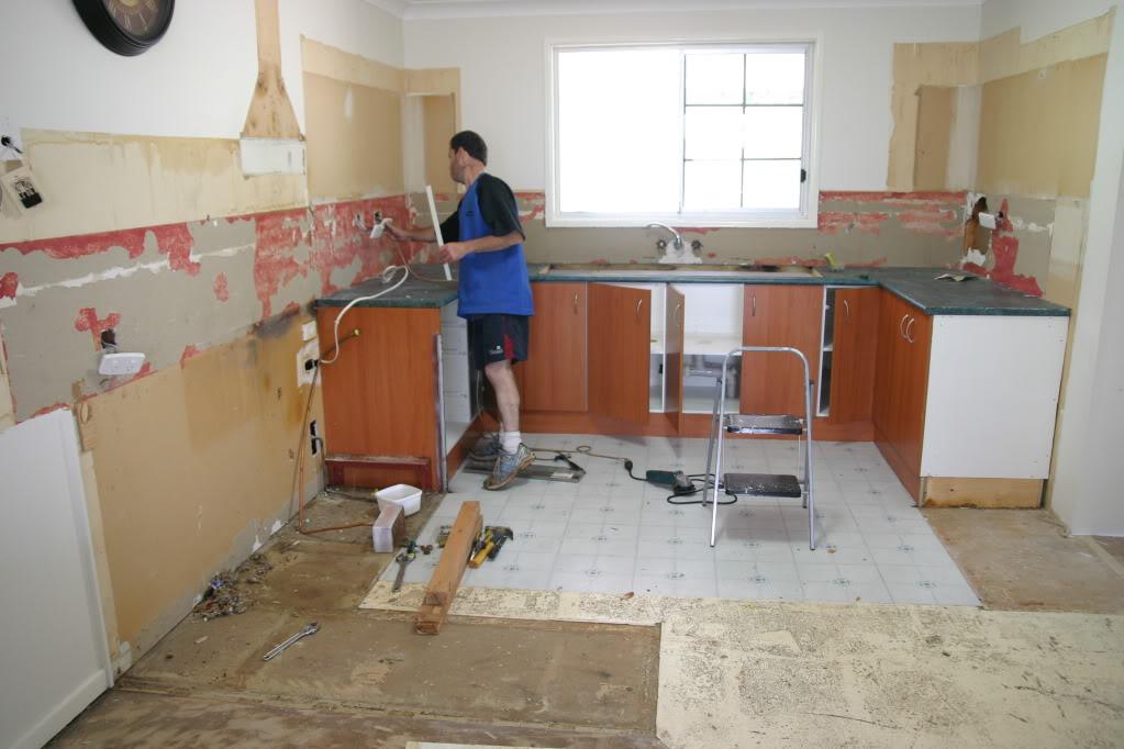 Делаем кухню своими руками ремонт