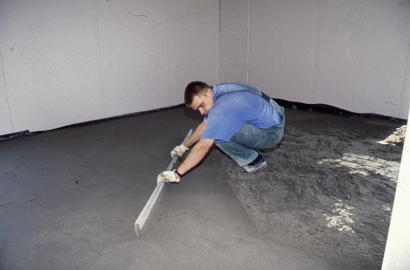 Zalivka-pola-betonom-2 Как сделать черновой пол в доме