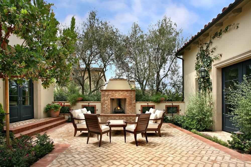 mediterranean-living-room1 Комнатные растения. Средиземноморский стиль
