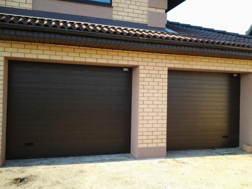 Превосходство секционных гаражных ворот