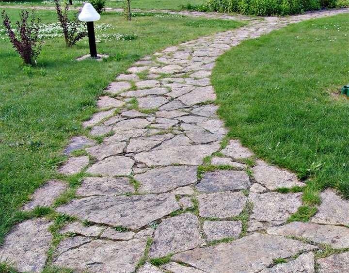 3ec3515b-plitnyak-dlya-mosheniya-dorozhek-e1510580777187 Выбор напольного уличного материала. Плитняк для садовых дорожек, мощения