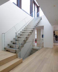 osobennosti_lestnic_v_stile_hajtek Особенности лестниц в стиле хайтек