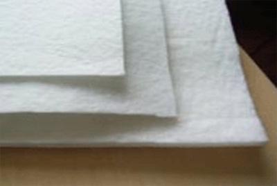 svojstva_i_oblast_primeneniya_igloprobivnogo_netkanogo_nastilochnogo_polotna Свойства и область применения иглопробивного нетканого настилочного полотна