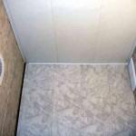 Remont_tualeta_paneljami-02-300x225 Ремонт туалета панелями