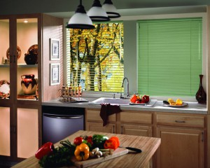 Zhaljuzi_na_kuhnju-01-300x171 Как выбрать жалюзи на кухню?