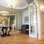 Gostinaja_v_svetlyh_tonah-01-300x174 Шикарная гостиная в светлых тонах