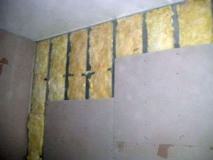 Vyravnivanie_sten_gipsokartonom-01-300x212 Выравнивание стен гипсокартоном самостоятельно