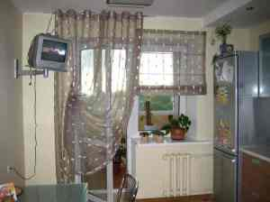 Oformlenie_okna_kuhni-01-300x184 Оформление окна на кухне