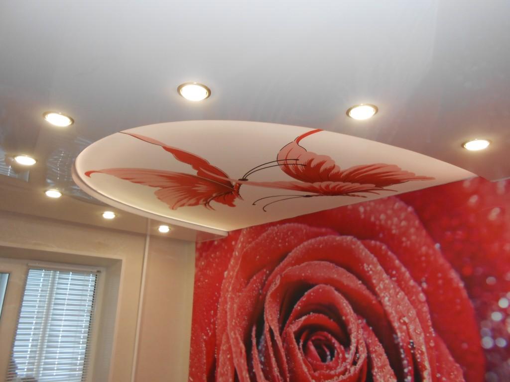 039-300x225 Какой натяжной потолок лучше