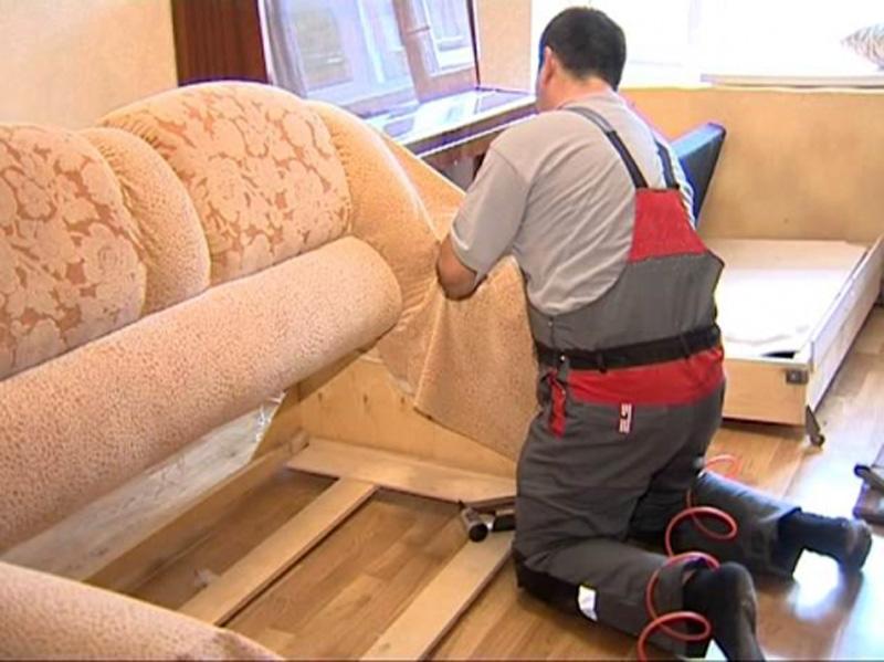 11-300x186 Каким образом ремонтируется мягкая мебель
