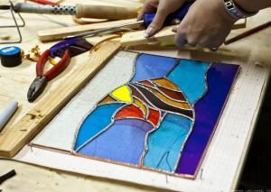 vitraj-svoimi-rukami1-300x240 Изготовление витражей в домашних условиях