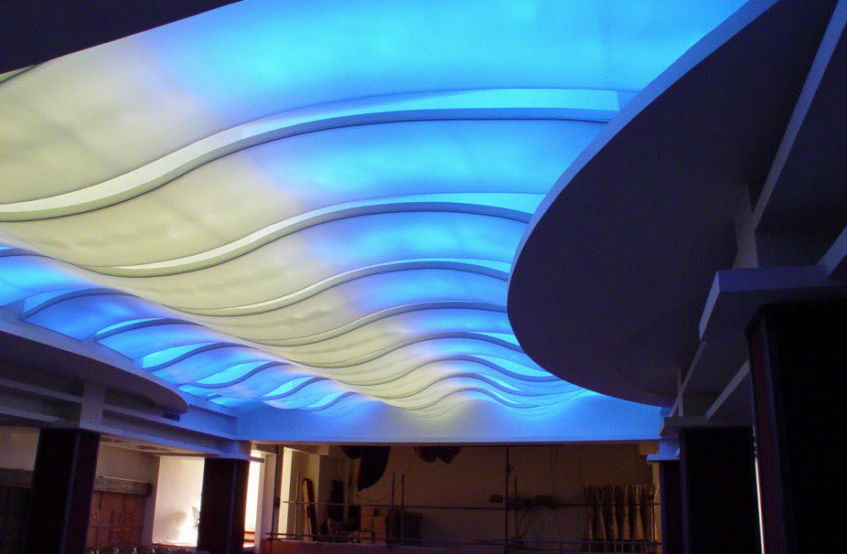 natyazhnye_potolki_foto_089-300x110 Ремонт потолка: коллекция натяжных полотен