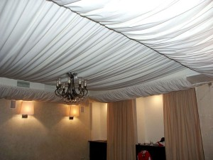 1-300x225 Драпированный потолок: хорошо забытое старое