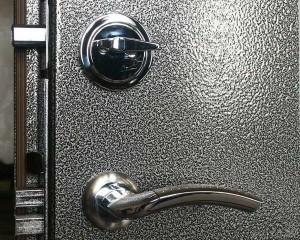 dveri-300x240 Преимущества порошкового покрытия дверей