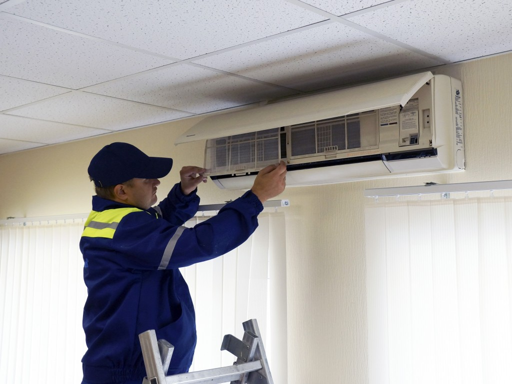 z81j2yb39-300x199 Когда устанавливать кондиционер в процессе ремонта?