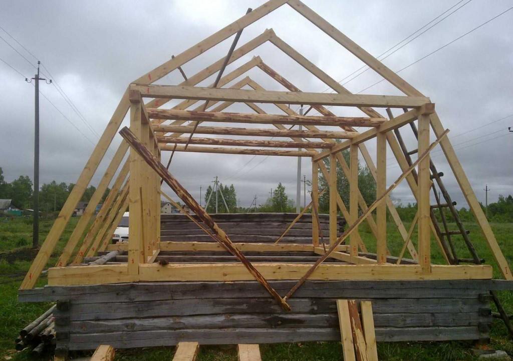 -крыша-в-каркасной-бане-фото-строительства-300x198 Разбираем конструкцию мансардных крыш в деталях