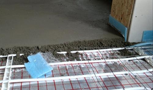 pol-1-300x224 Устройство бетонной стяжки пола
