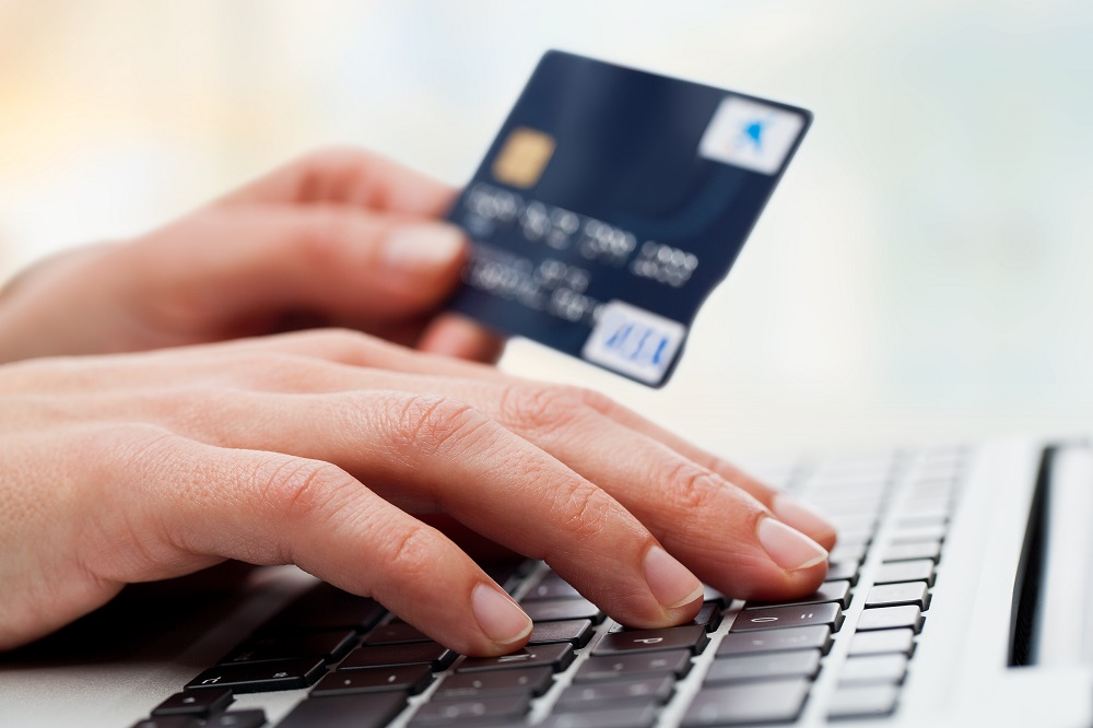 INBV-Shopping-Online-Card-shutterstock Как быстро оформить кредит