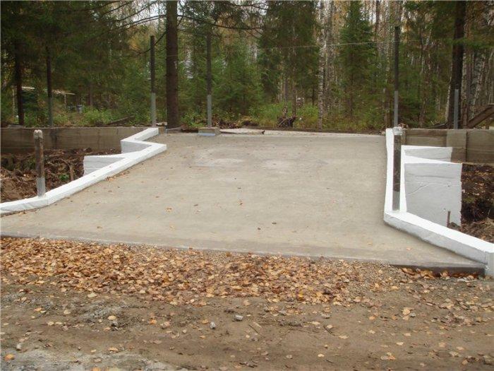 betonirovannie-dvora-1 Как залить цементно-песчаную стяжку