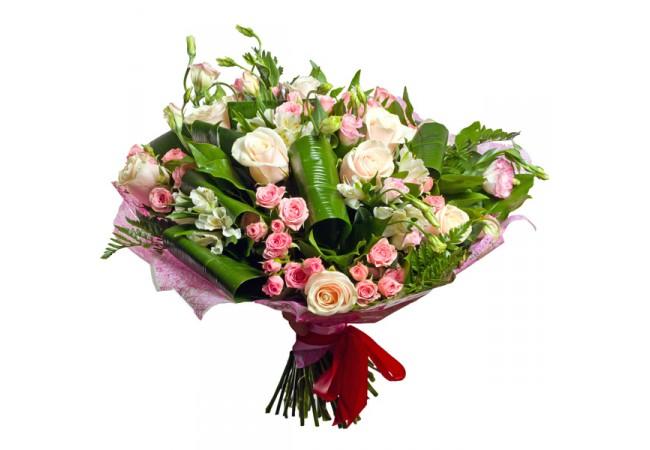 admiration-650x450 Советы доставки цветов по оформлению букета из кустовых роз и хризантем