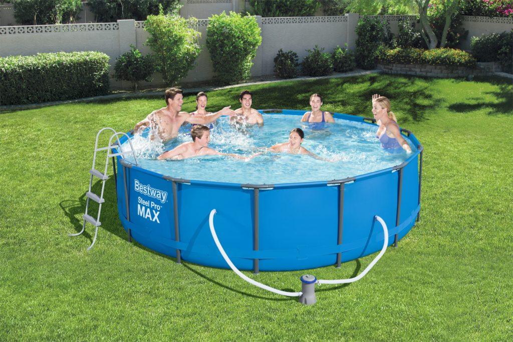 Bassejn-1024x683 Как   самостоятельно отремонтировать искусственный бассейн